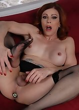 TMILF Jasmine toying in stockings