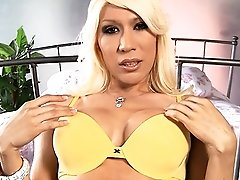 Stunning blonde Victoria fingering and stroking off